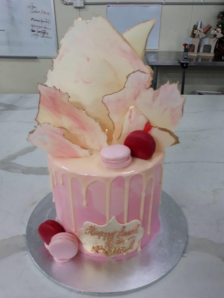 DRIP CAKE 18